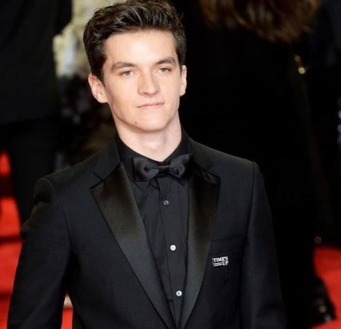 Fionn Whitehead Height Age Weight Wiki Biography & Net Worth