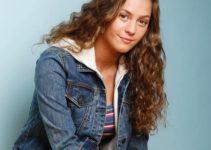Chloe Lang Height Age Weight Measurement Wiki Bio & Net Worth